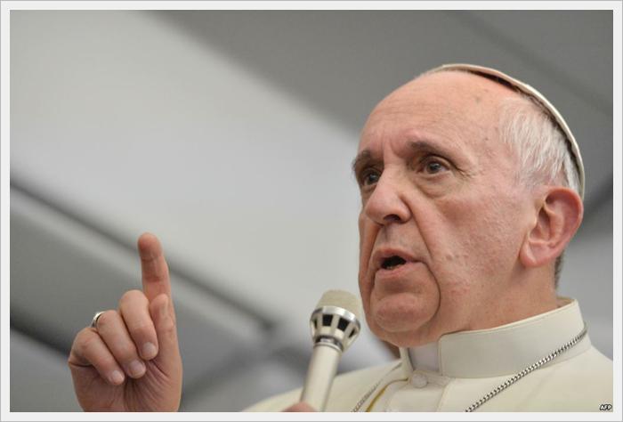 Папа до священиків